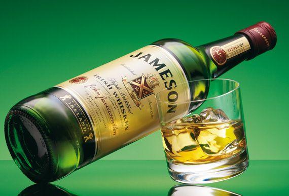 Jamenson - Un clasíco irlandés. Originalmente uno de los cuatro whiskeys más importantes de Dublín. Encontralo en www.rollingbar.com.uy