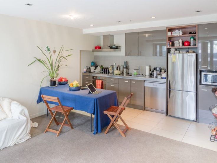 """This one bedroom apartment (the only one available at the prestigious Piermont Apartments) is modern, compact and very smart. See it for yourself. Contact us now to arrange your personal viewing time. Call 027 443 1355 or email jkettle@tommys.co.nz. John Kettle, Wellington Real Estate Agent - Apartment Specialist, """"AT HOME in the City""""."""
