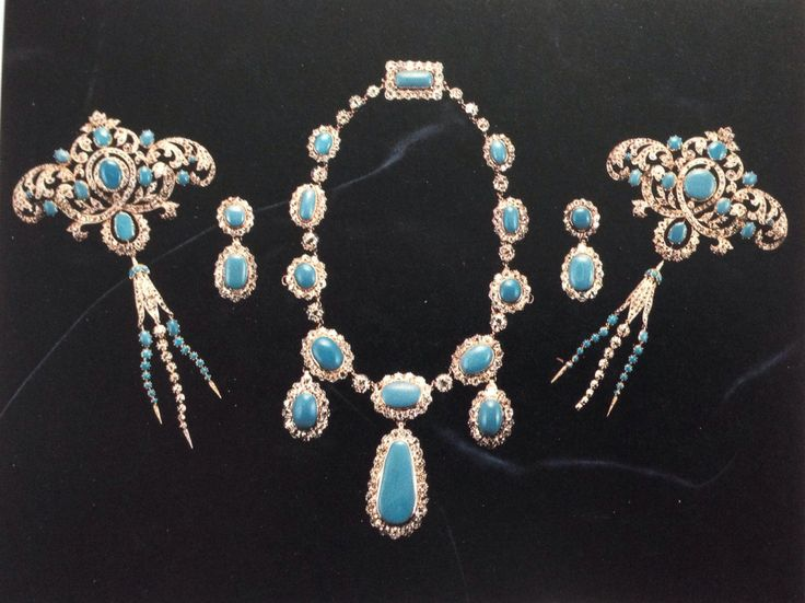 The Turquoise Demi Parure from the Marquess of Londonderry family collection