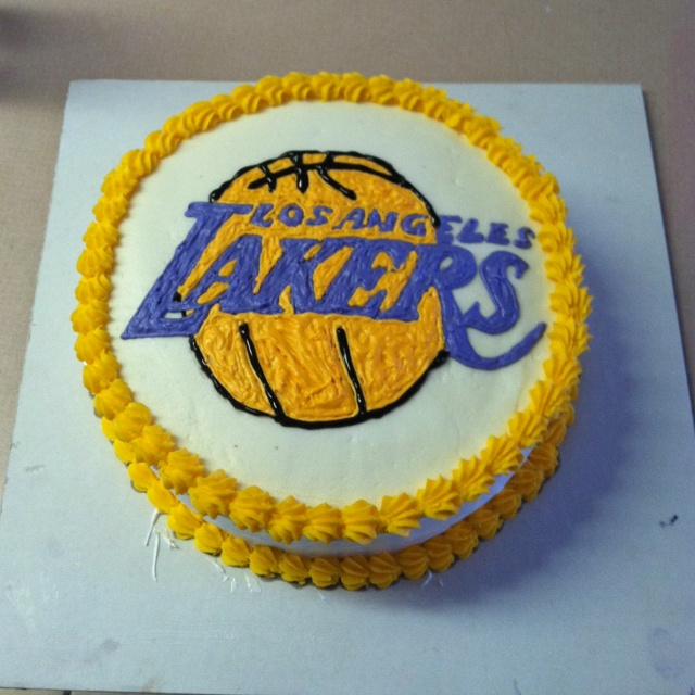 Lakers Cake I made myself ! | My Style in 2019 | Cake, Birthday cake ...