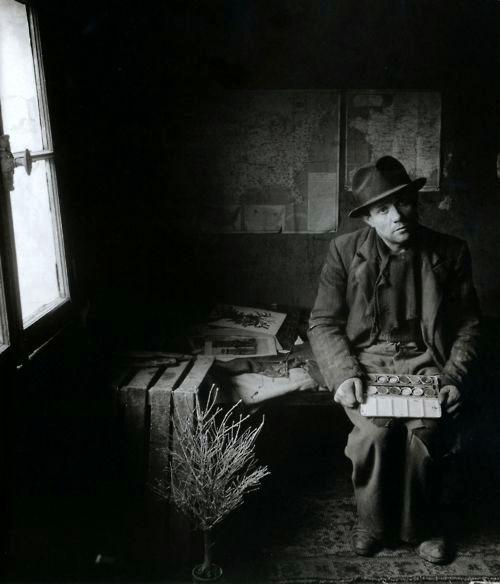 Robert Doisneau (1912 - 1994) - Maurice Duval, peintre chiffonier, 1948