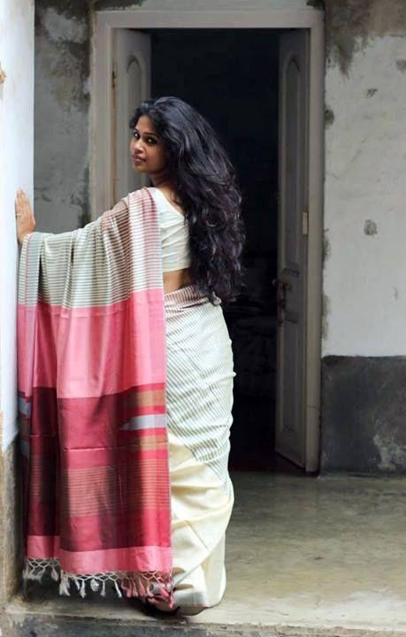 Beautiful Handloom Saree with Pink and Red Pallu