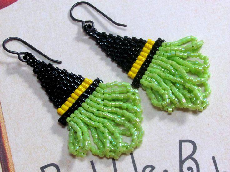 Witch Hat Earrings, Halloween Earrings, Seed Bead Earrings, Beaded Earrings, Spooky Earrings, Black Hat Earrings, Holiday Earrings, Dangle by HappyEverythingElse on Etsy https://www.etsy.com/listing/200906141/witch-hat-earrings-halloween-earrings