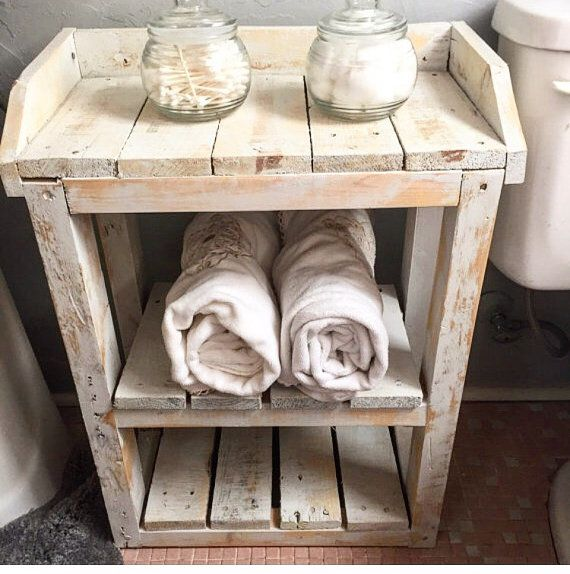 Shabby chique hout badkamer planken. door HarvestTrailJourney