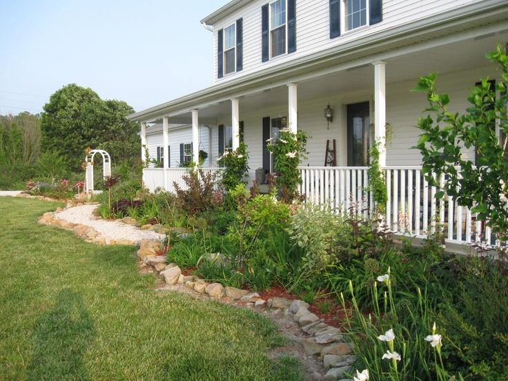 Beautiful farmhouse porch | Beautiful Farm Houses