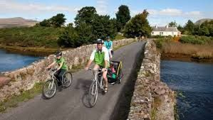 6night - Wild Atlantic Coast Cycling Tour involves cycling through some of the most remote and rugged scenery that Connemara on the west coast of Ireland has to offer. This tour will also bring you along part of the stunning Wild Atlantic Way. You will cycle along rocky coastal ways, deep valleys and around rugged peninsulas. Route descriptions, local information and maps are provided.