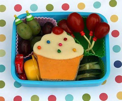 Birthday Bento - from Bento-logyHappy Birthday, Bento Lunch, Kids Birthday, Lunches Boxes, Lunches Ideas, Kid Birthdays, Birthday Lunches, Birthday Bento, Birthday Ideas