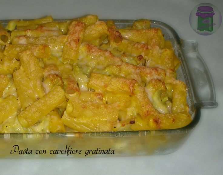 La pasta con cavolfiore gratinata è la ricetta di un primo piatto molto gustoso, che sarà apprezzato anche da chi non ama particolarmente il cavolfiore.....