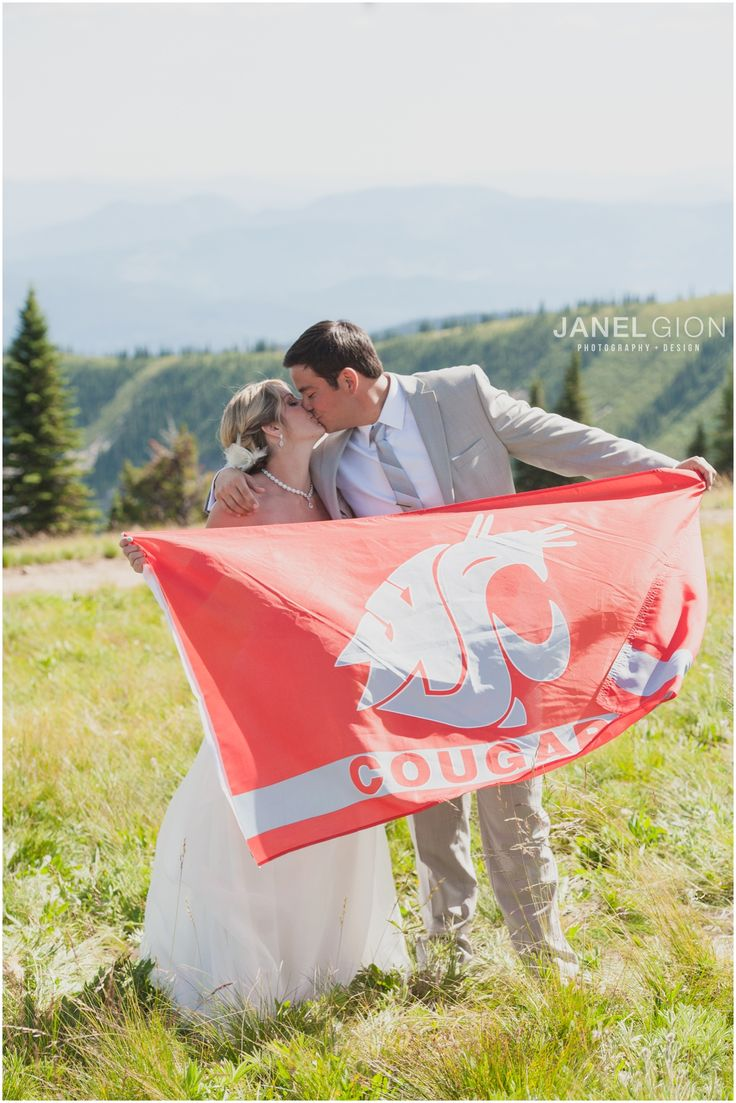 Wedded cougs. WSU fly the flag - Schweitzer mountain