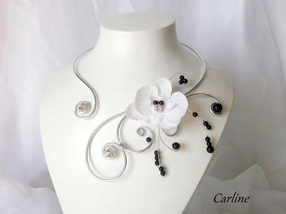 Léonie - Collier mariée fleur Orchidée strass perles Noir et Blanc plumes