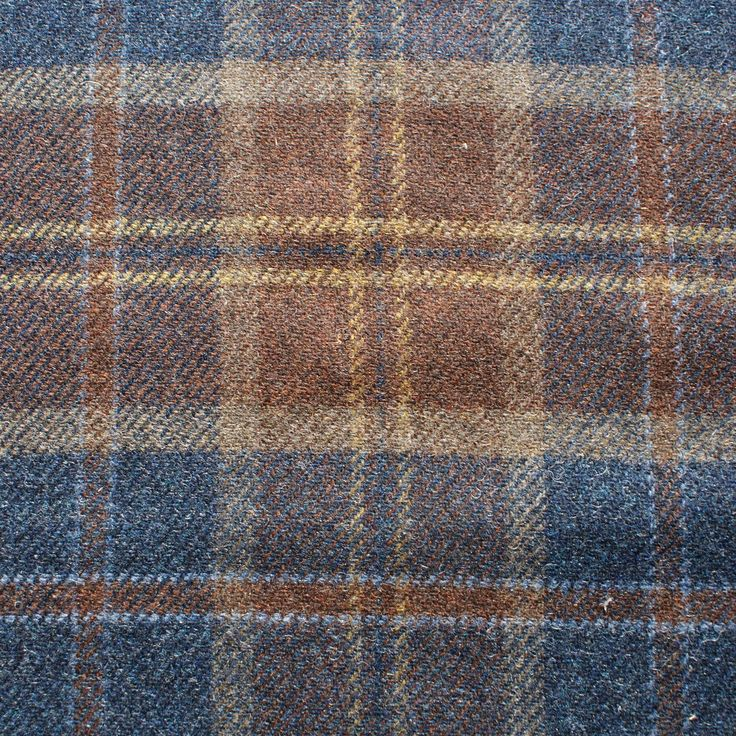 Wool Plaid (2.90m for £34.78) - Robert Noble