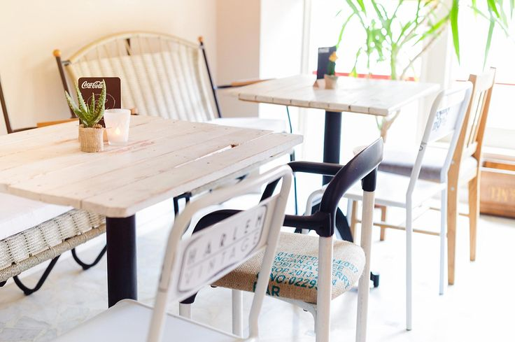 Pallet tables, metal chairs with print, coffee bags chairs | SrkizChaos