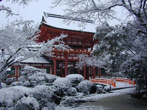 Kamigamo Shrine(Kamo-wake-ikazuchi-Jinja) Ro-mon Gate(Snow scene)/上賀茂神社(賀茂別雷神社) 楼門(雪景色)