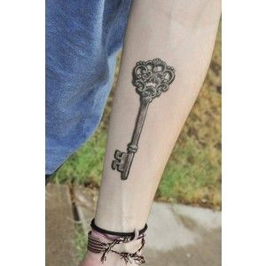skeleton key tattoo on the sleeve 150x150 The Meaning and Skeleton Key