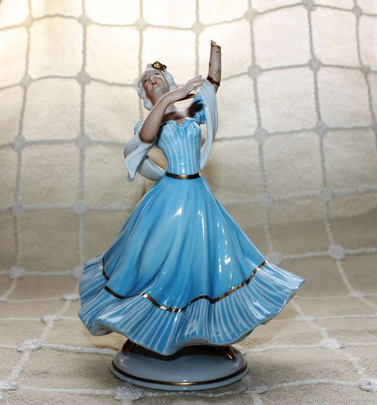 Купить Фарфоровая статуэтка Танцовщица..Германия..Unterweissmach в интернет магазине на Ярмарке Мастеров