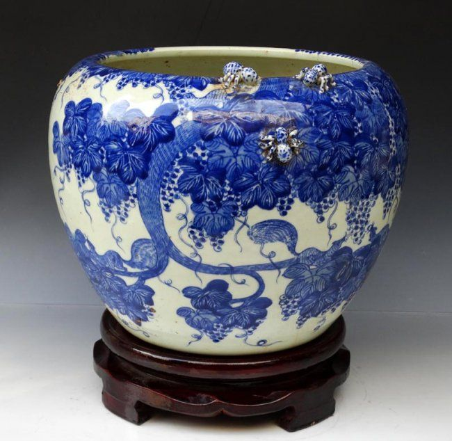 A Rare Chinese Qing Dynasty Kangxi Period Blue and White Porcelain Jar, Decorated with a Painting of Flowers, Size: H*D 21*26.5cm