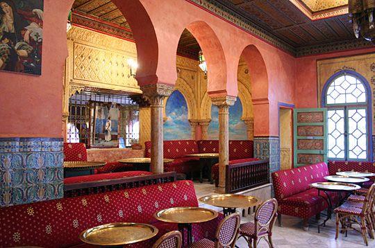 La Grande Mosquée de Paris, le salon de thé pour déguster des thés à la menthe et de succulentes patisseries orientales.