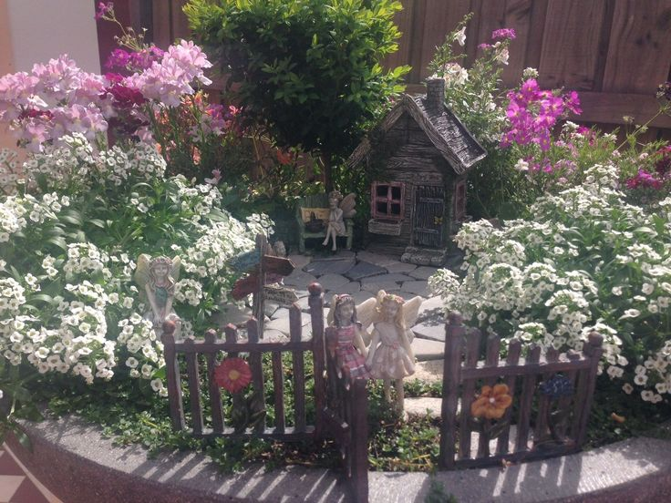 We absolutely adore Aileen's fairy garden!