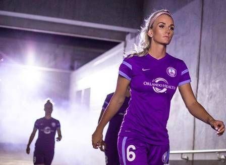 Musa do futebol feminino rejeita ficar entre as suplentes do Canadá e não vem para a Rio-2016