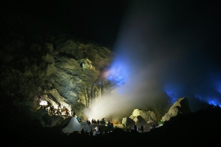 Anggi Anggoman: Dozens of travelers are watching and taking pictures of blue fire in Kawah Ijen (Banyuwangi, East Java, Indonesia). To see the blue fire clearly, they have to come before the sun rises. In Indonesia, this rare phenomenon only exists in kawah ijen, its one of the reasons why people go there.