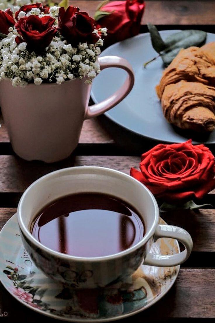 Утренние открытки кофе и цветы и сладости