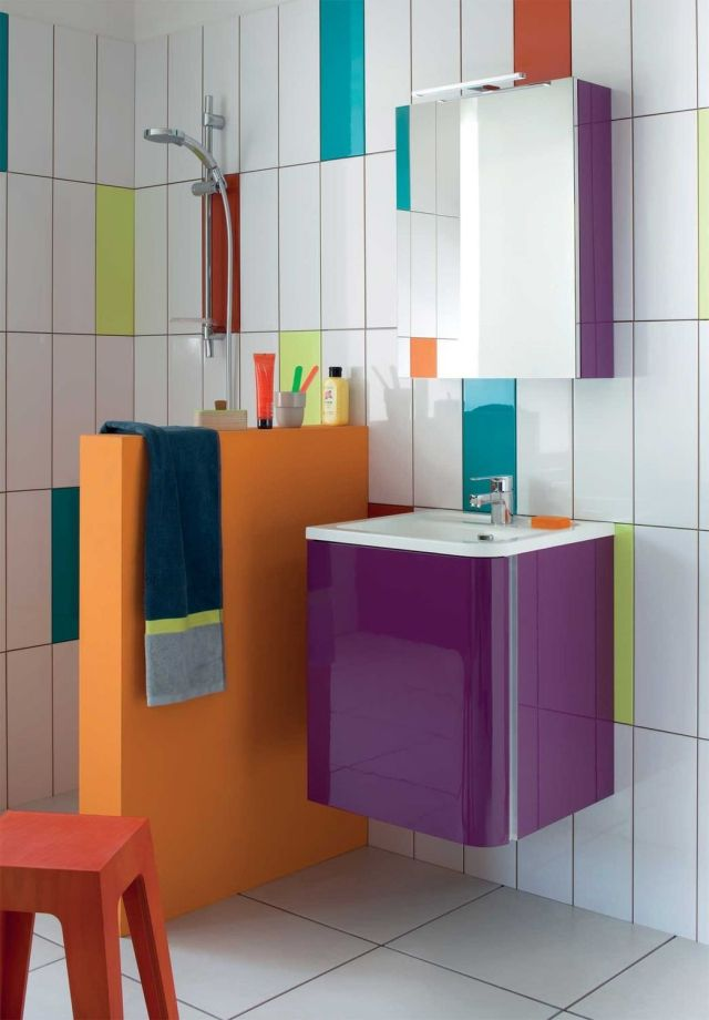 Badezimmer Spiegelschrank BUMP Oberfläche Glanz Lila Wandfliesen Bunt