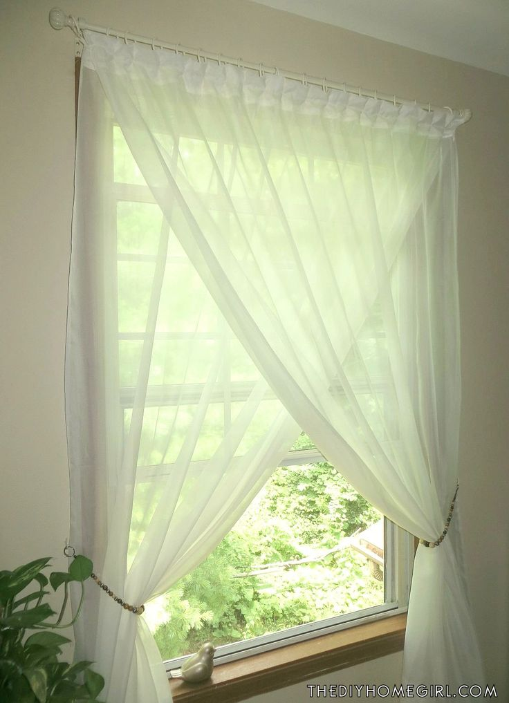 overlapping sheer curtains diy idea for the girl room or roman tub
