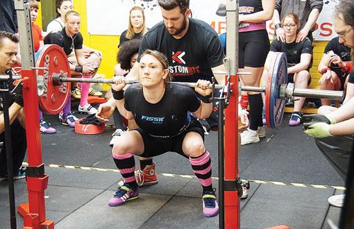 Henley rugby player breaks world powerlifting record