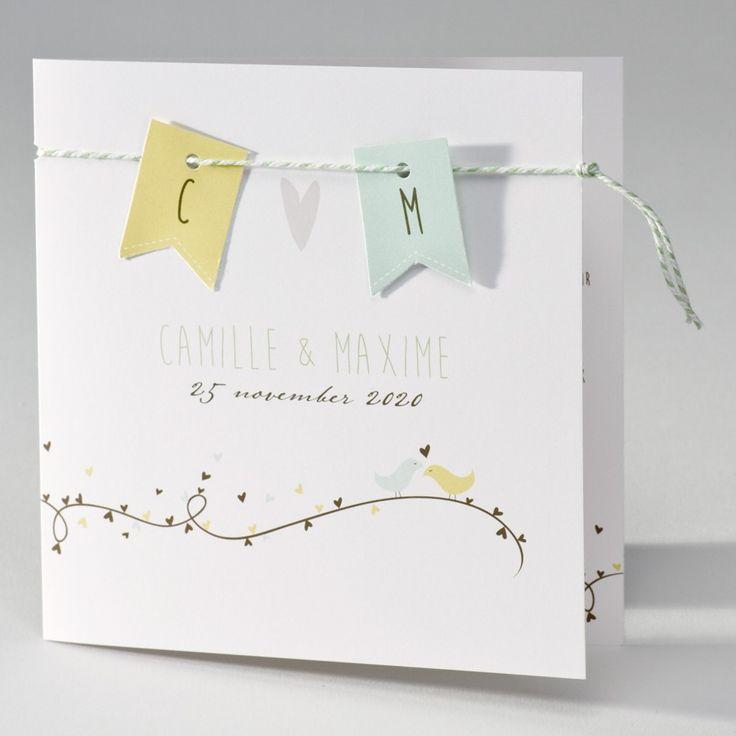 Vierkante trouwkaart met vlaggenlijn, speelse hartjes en vogeltjes