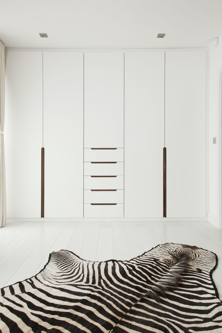 Wardrobe | Pivot door wardrobe