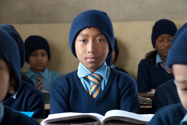 Project in #Nepal, door deze kinderen weer naar school te laten gaan in een veilige omgeving met aandacht voor hun ontwikkeling op vele gebieden,  kunnen ze ontsnappen aan de harde realiteit van de straat. Daarbij biedt het project extra steun aan de families.