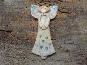 Średni prosty anioł, malowany