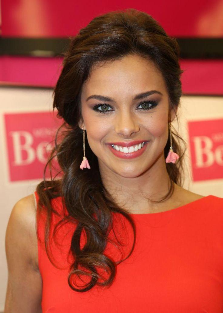 Marine Lorphelin, ex-Miss France de toute beauté.