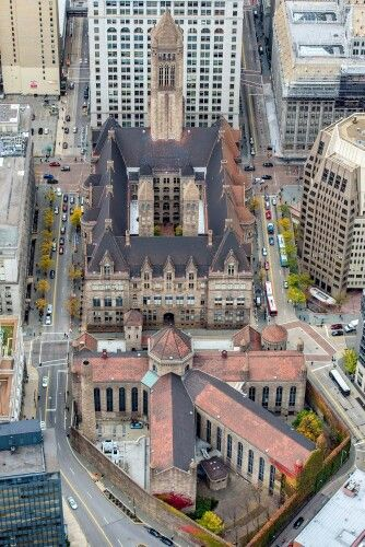 Allegheny County Courthouse and the old Pittsburgh jail  (by Dave DiCello Photography)