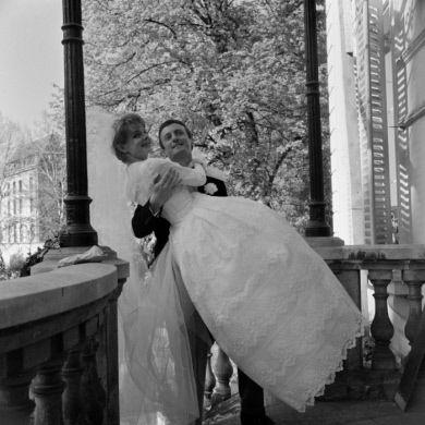 """""""Les Tontons flingueurs"""", film de Georges Lautner. Sabine Sinjen et Claude Rich. France-Allemagne-Italie, 7 mai 1963."""