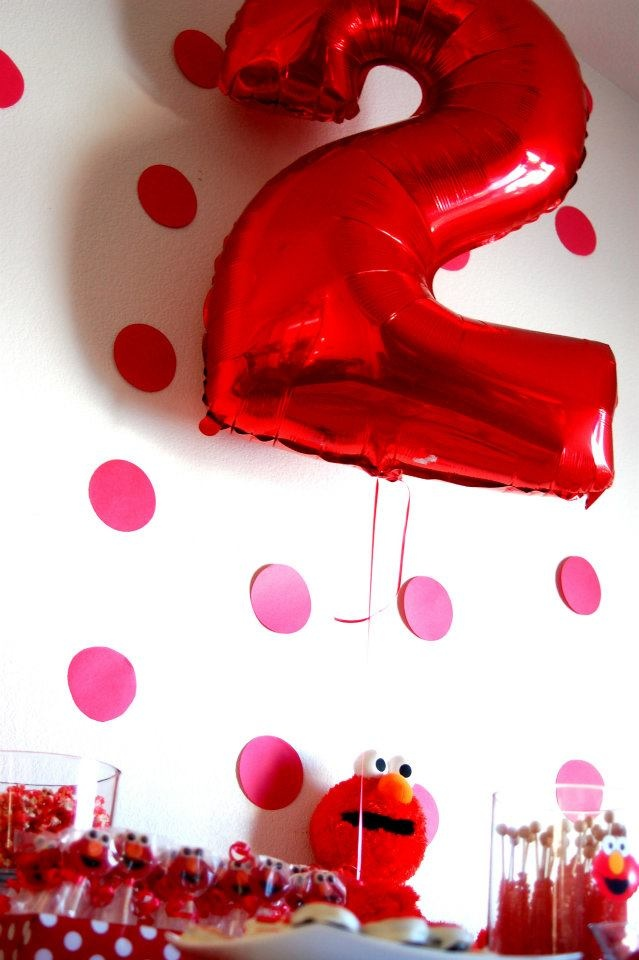 Lilys Elmo Themed 2nd Birthday Party Like The Idea To Put Polka Dots On Wall