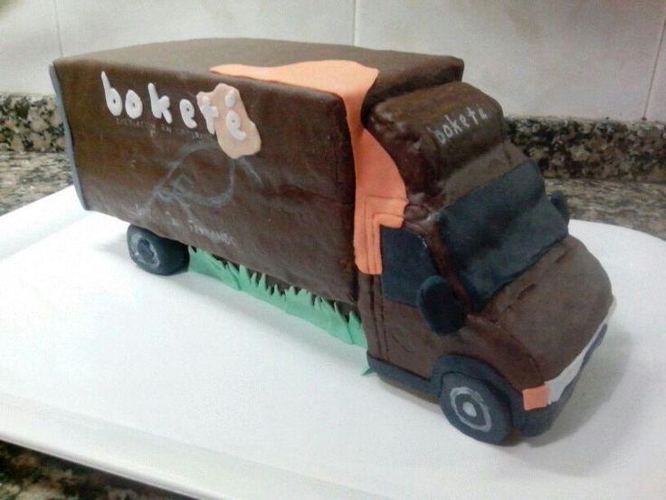 Un regalo de nuestra compi Lucía. Toda una obra de arte hecha camión de Boketé. Mmmm. Riquíiisimo!!
