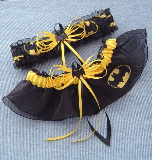 Batman wedding garter..would so be up my alley :D