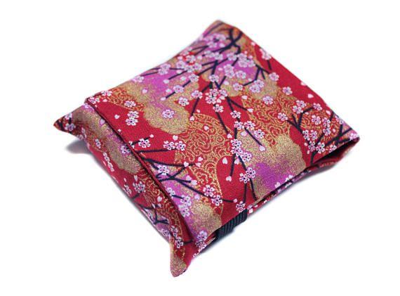 étui à cigarette et briquet en tissu japonais rouge cerisiers