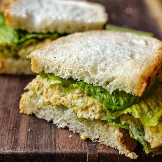 20 Healthy Lunches that can be made the night before. (My new year's resolution was to stop eating so many mediocre, yet overpriced takeout soups/salads/sandwiches for lunch.)