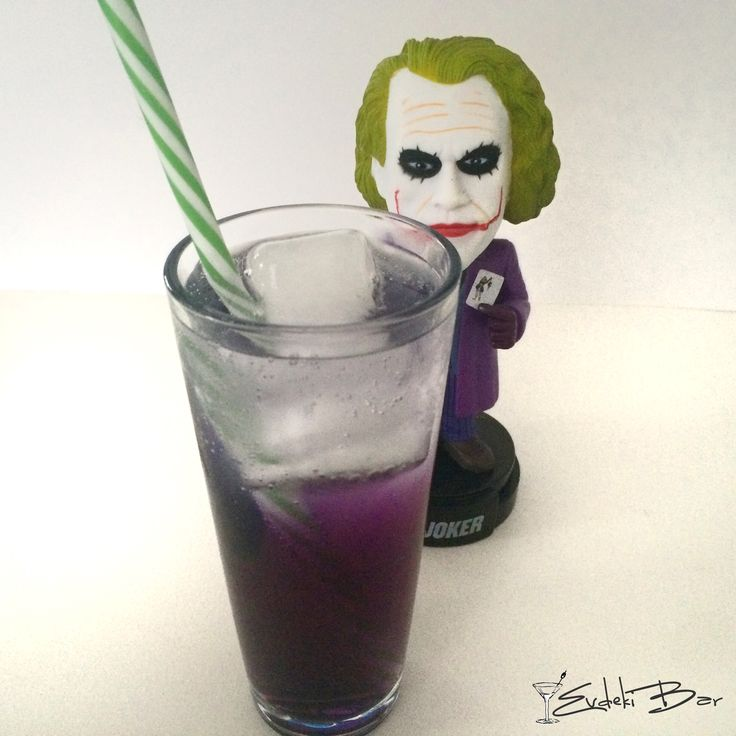 Purple Gin Daze www.evdekibar.com cin+tonik+Blue Curaçao şurubu+grenadine #cocktail #kokteyl #joker #gin #booze #comics #batman #purple #daze #mixology #mixologist #booze #drink #drinkporn #smile #yummy #delicious #recipe #tarif