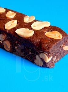 Čokoládovo-arašidové proteínové tyčinky