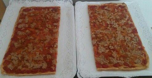 Coca de tomate y atún!