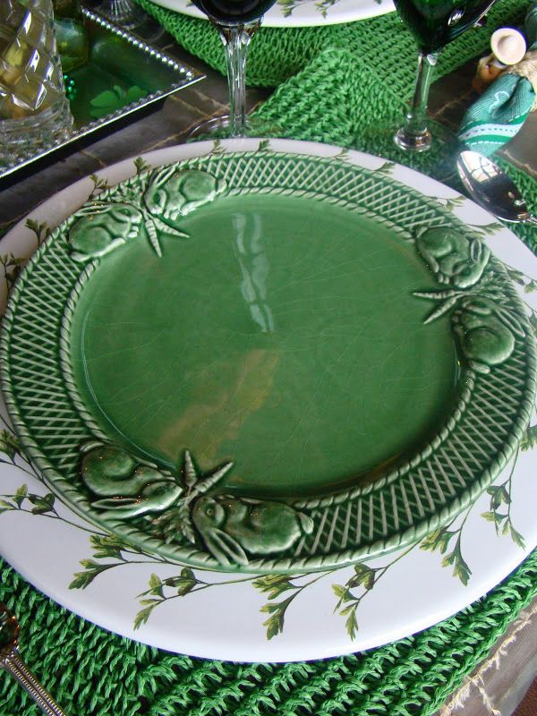 Seriously, I'm gonna have to have these green, relief rabbit plates (Bordallo Pinheiro she found at HG) - where to store them?!