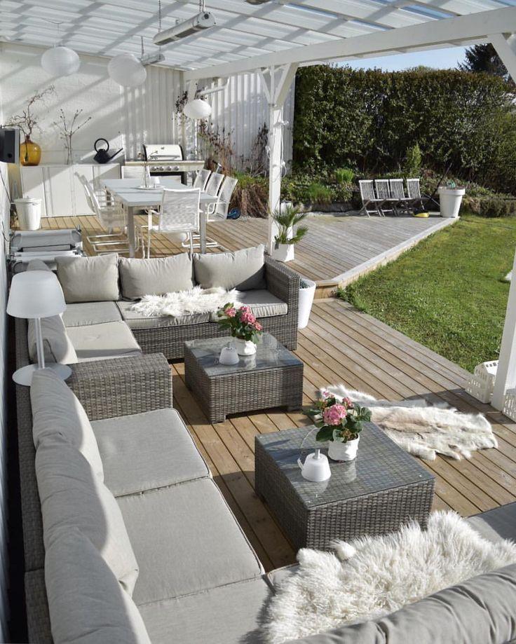Verbringen Sie den Tag in meinem Garten heute 🌿 Endlich warmes Wetter ☀️🙏🏼 Herumtollen und die Terrasse bei schönem Wetter reinigen / waschen – herrlich … – Shayna Clapp – Dekoration