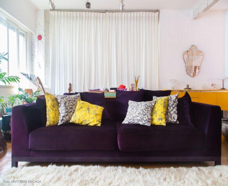 фиолетовые диваны с подушками фото такие