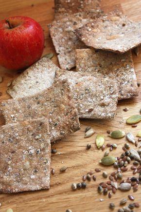 Surdegsknäckebröd med massor av frön (400 g grovt RÅGmjöl ska det vara) Lagom till 8 plåtar