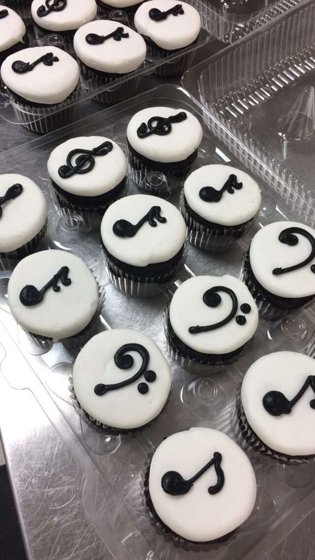 Music note cupcakes by Cassie