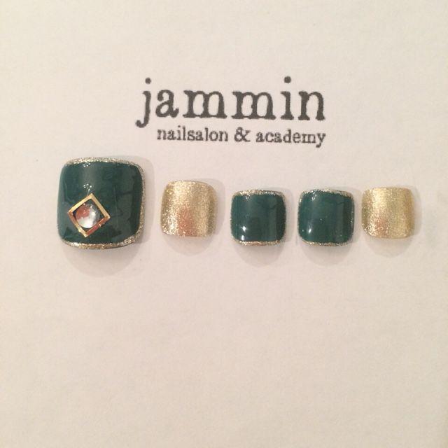 かわいいネイルを見つけたよ♪ #nailbook #nails #toenails #japanesenail #green