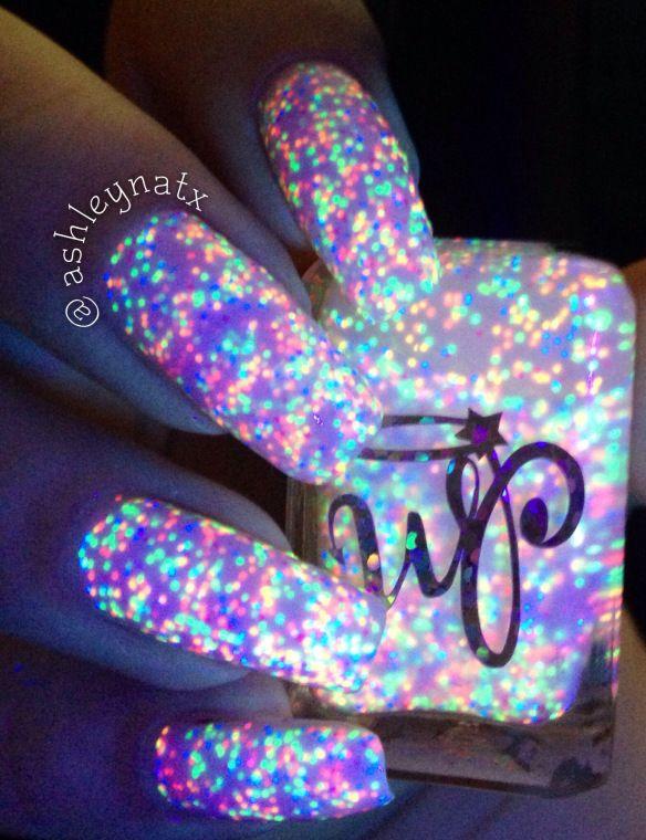 Best 25+ Glow nails ideas on Pinterest | Acrylic nails ...